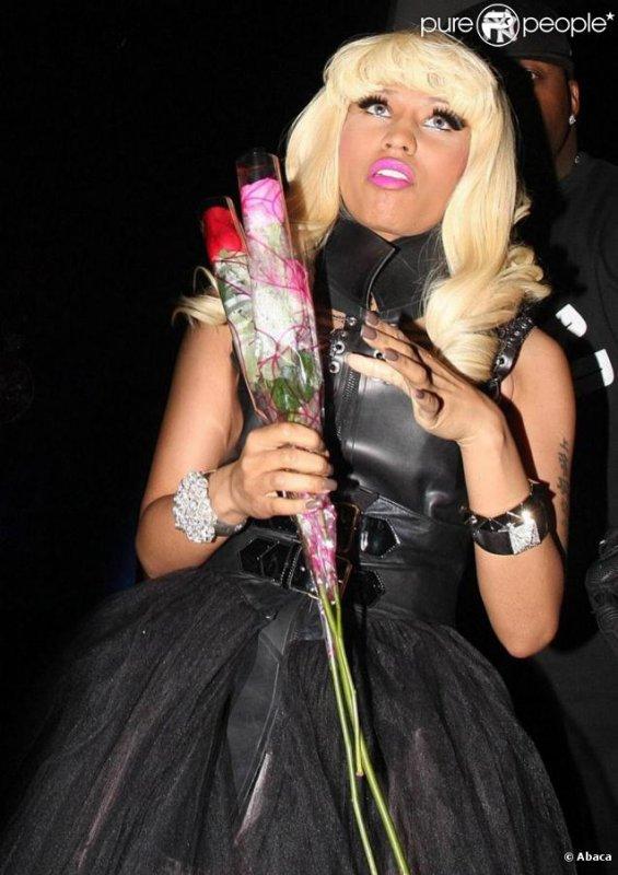 Nicki Minaj participe à l'opération ' Get Schooled