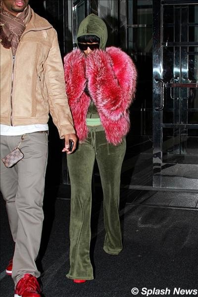 Nicki Minaj, timide, quitte New York