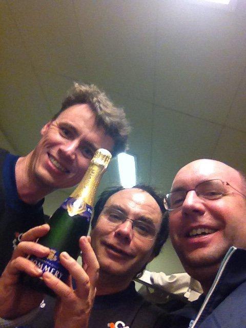 Eysins 3 promu en 6eme ligue !!! Champagne !!!
