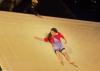 Plouf Carmen s'enfuit et tombe à l'eau