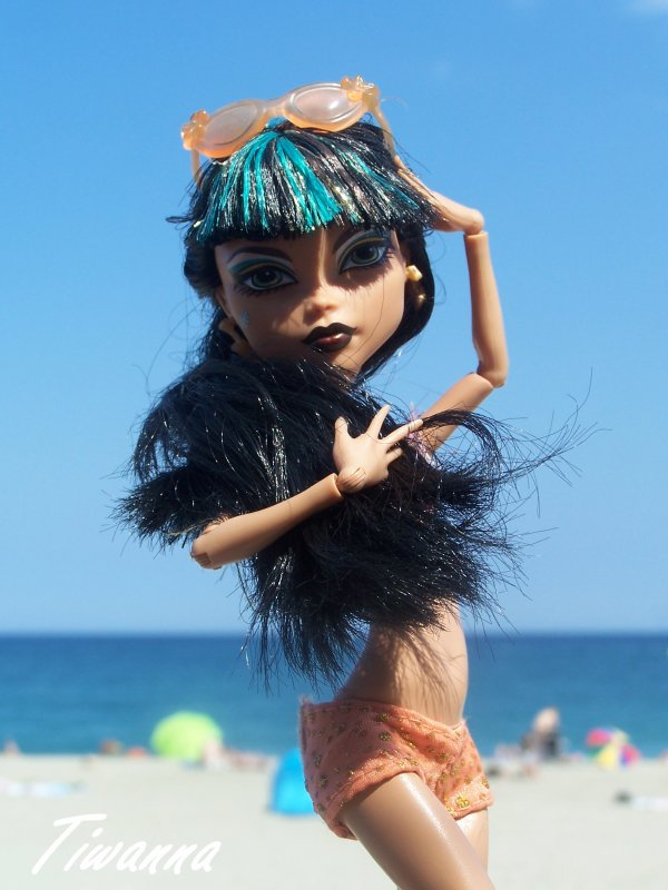 Cléo sur la plage !