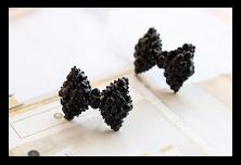 Produit n'50 : Boucle d'oreille noeud noir