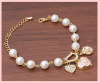 Produit n'65 ; Bracelet avec perles blanche