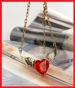 Produit n'66 ; Collier Coeur rouge