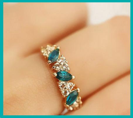 Produit n' 81 ; Bague diamants blanc et turquoise