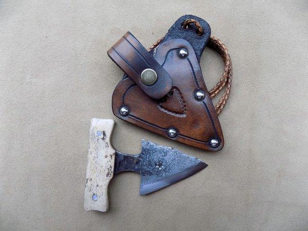 push dagger forgé étui cuir