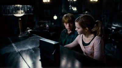 Harry Potter et les reliques de la mort 1ère partie - Ron et Hermione- j'adore ce couple !