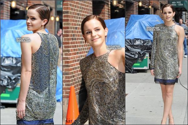 . 11/07/11 : Emma a été vue sortant deThe Letterman show, toute souriante et de très bonne humeur.  Découvre de nouveaux stills de HP 7 partie 2. D'autres photos HQ arriveront sûrement plus tard. Hâte ??  .