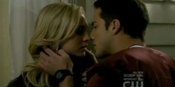 "Vampire Diaries, saison 5 : ""Caroline devra oublier Tyler pour avancer"""