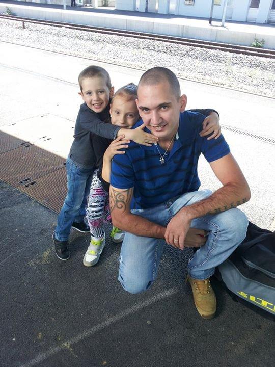 sur le quaie avant de partir à Nancy avec mes enfants