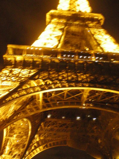 <3 <3 <3 I LOVE YOU PARIS <3 <3 <3