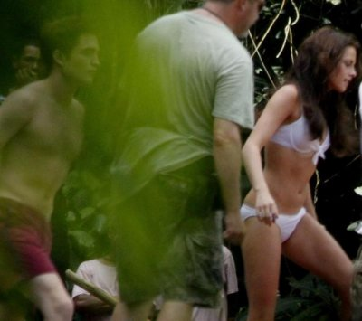 Nouvelle photo de Rob et kristen version Edward et Bella se dévoile ^^
