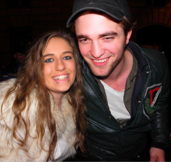 Nouvelle photo de Rob et une fan en 2009 !!