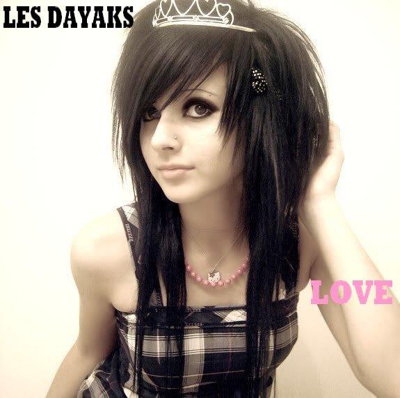 LES DAYAKS LOVE /