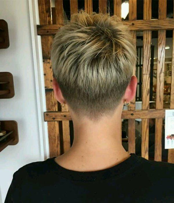 HAIR STYLES TENDANCES 2018 /