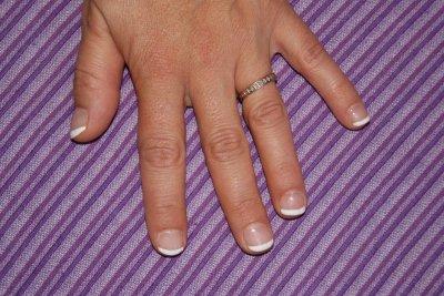 pose résine sur Nath , ongles naturels