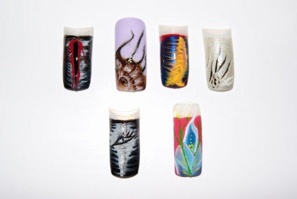 vernis à ongles et peinture acrylique
