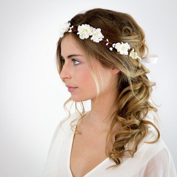 couronne de fleur pour une coiffure délicate