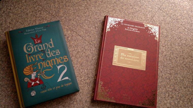 lot de 2 livres neuf - Prix : 25 ¤