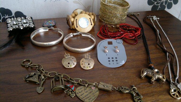 lot bijoux : 10 ¤