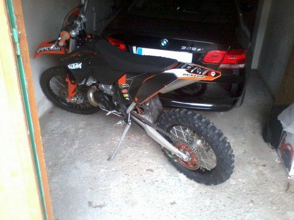 Nouvelle machine à sensations dans le garage ktm 300 2 temps, ça pousse !!!