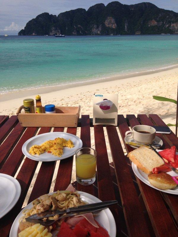 Un solide petit déjeuner est important pour le moral