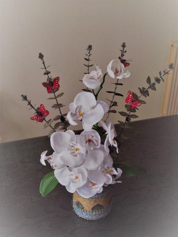 compo floral orchidée papillon