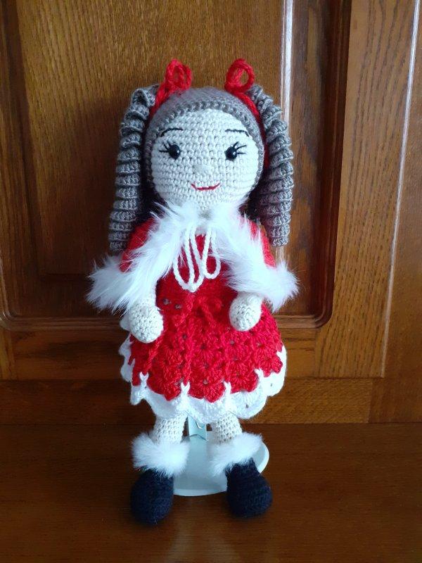 Dernière poupée au crochet