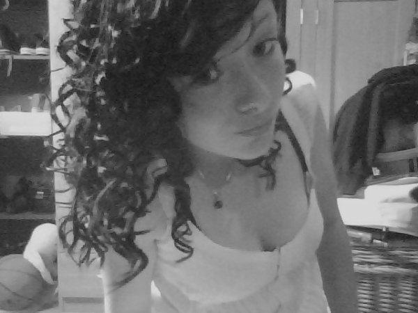 _ [ Tu as été l'amour de ma vie mais moi; je ne suis qu'un Chapitre de la tienne] _
