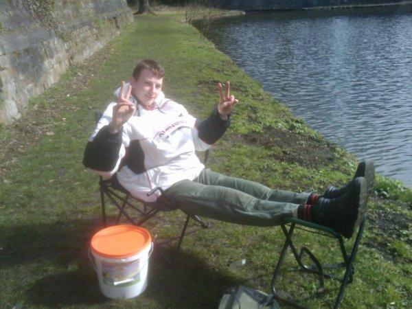 moi en mode vacance a la pêche lol