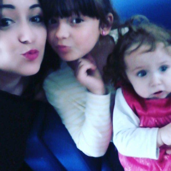 Ma fille Angelina et ses deux filles Leonora & Elena