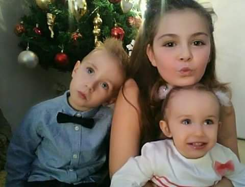 3 de mes 4 anges Giuliana , Leandro & Elena .