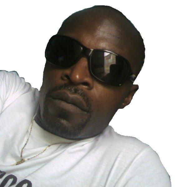 Stempy Love Obamé tape ''abana'' devant la RTG 1 !