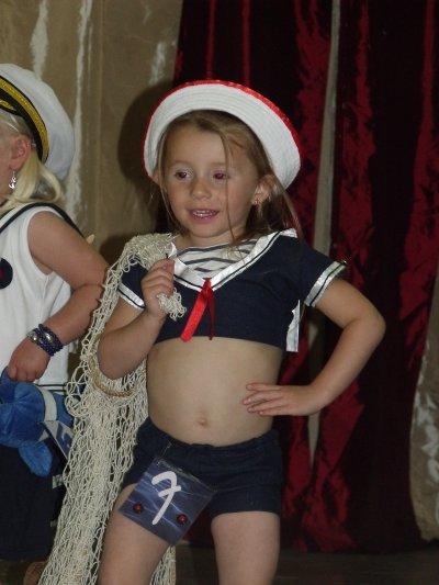 toujours en tenue de marin