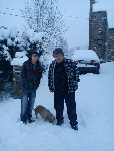 la neige dans ma rue ...photos du 19 décembre 2010