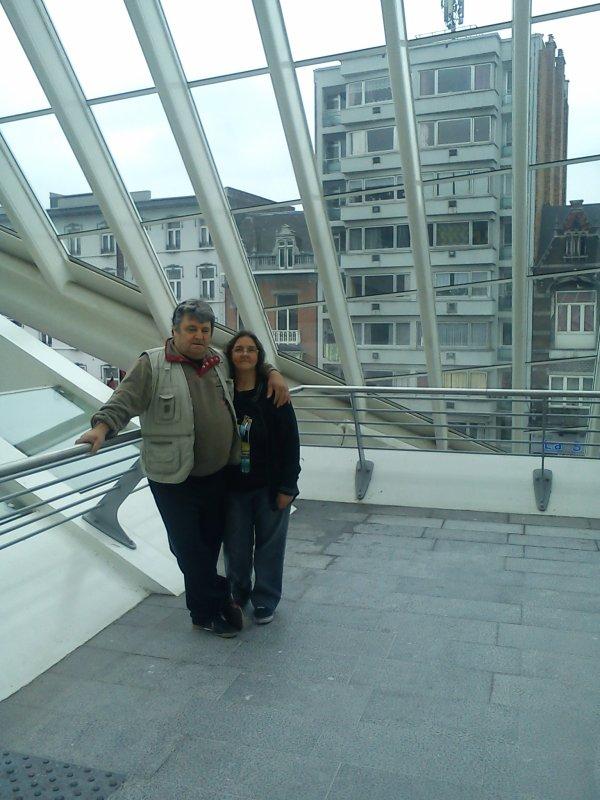 mon fils,mon mari et moi... visite a la gare de liege guillemins ...une petite vidéo réalisée par mon mari