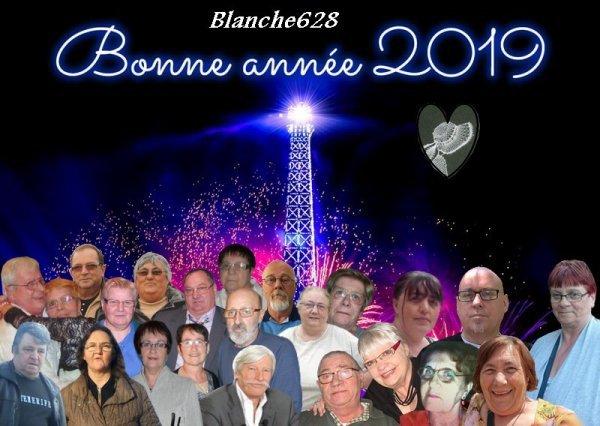 Je vous souhaite un Joyeux Nöel et une Bonne Année et merci à Nathalie Tendresse et Blanche628 et lili2248 et petitemamiedu13 et cappucine55500 et  lyly5954 pour ces jolis cadeaux