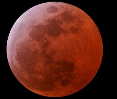 une eclipse lunaire a lieu ce soir  dans notre ville vers 22h