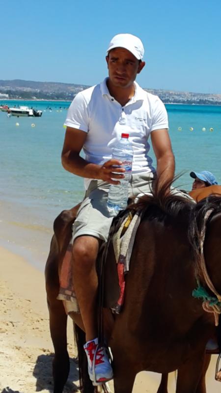 à la plage de Hammamet