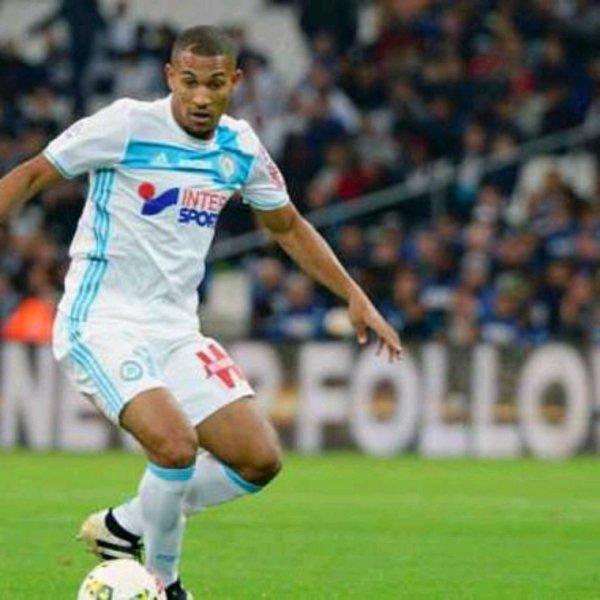 Maillot porté par Vainqueur lors d'OM Metz match special car floquage 2369 correspondant au nouveau record de matchs jouer en ligue 1