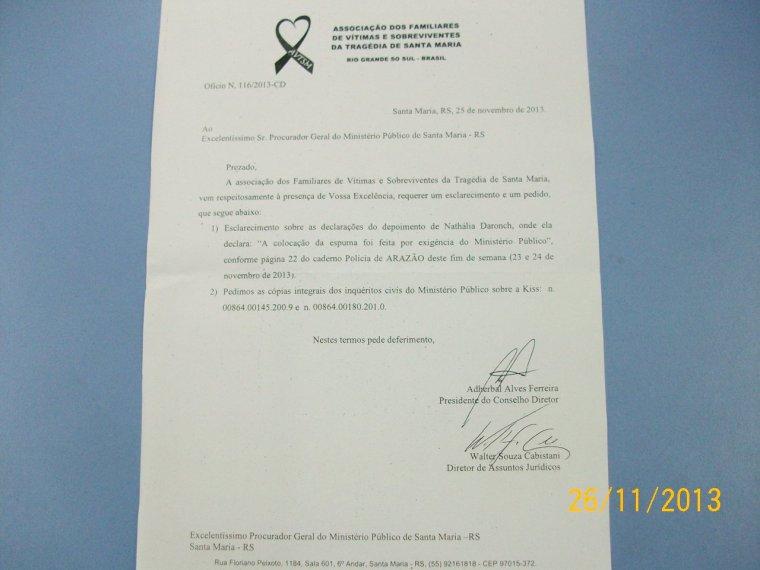 Documentos da Associação dos Familiares das Vítimas de Santa Maria