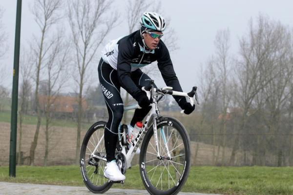 woutersweyland parti trop tot le cyclisme est quand meme un sport très dangereux quoi quel on en dise