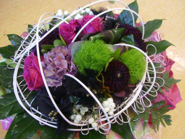 Bouquet rond sur structure