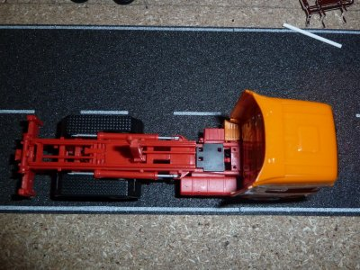 Scania R09 Tracteur en transformation porteur porte conteneur