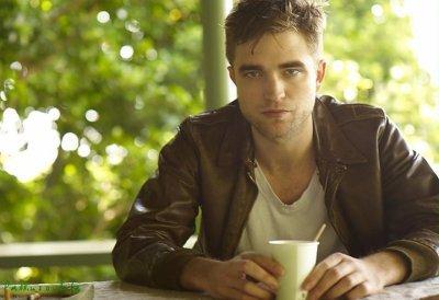 Robert Pattinson ----> We love you.