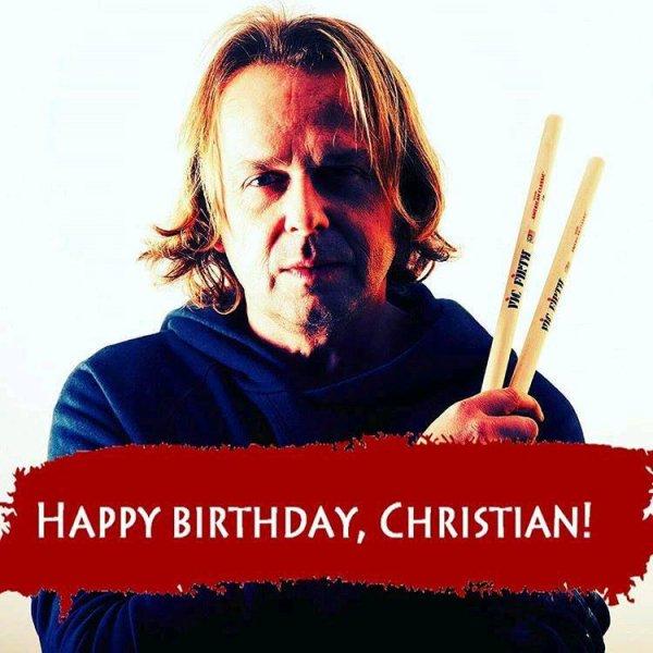 Christian Eigner, le batteur de DM depuis 1997 fêtait ses 48 ans le 2 mars !