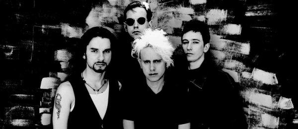 22 mars 1993 : Songs of faith and Devotion   (25 ans) Un des meilleurs albums du groupe à mon sens, les singles sont devenues des classiques joués à chaque concert, quant à la tournée qui en a suivie, elle est probablement la meilleur que le groupe ait donné à ce jour. Un groupe à son apogée.