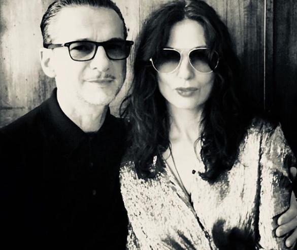 """Sur instagram, la femme de Dave, Jennifer, a posté une photo d'elle & son mari à l'occasion de la fête de Pâques Orthodox avec la légende """"Happy Orthodox Easter, #Καλο #Πάσχα"""" !"""