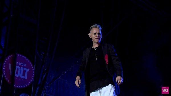 Depeche Mode fait de nouveau la une d'un magazine français, cette fois ci c'est le Rolling Stones de juillet-aout 2018.