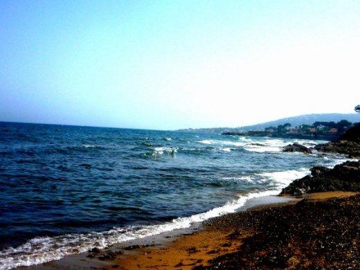 Plage   St Tropez.   Corsica.